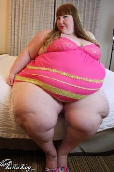 Huge belly bbw